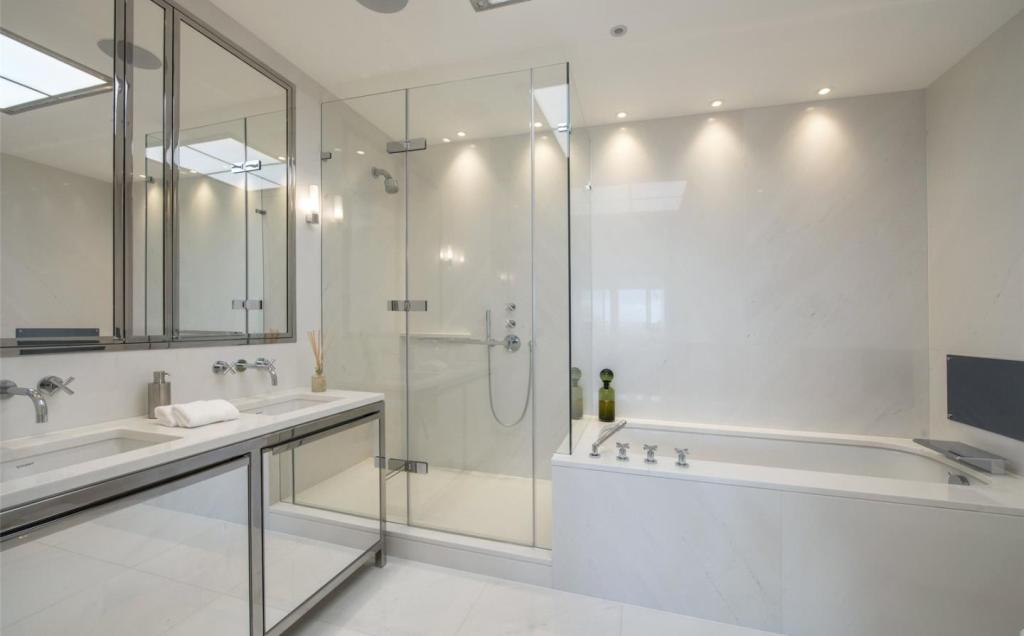 Luxurious Bathrooms