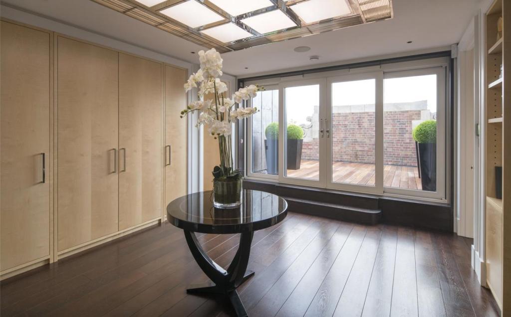 Private Lift Hallway