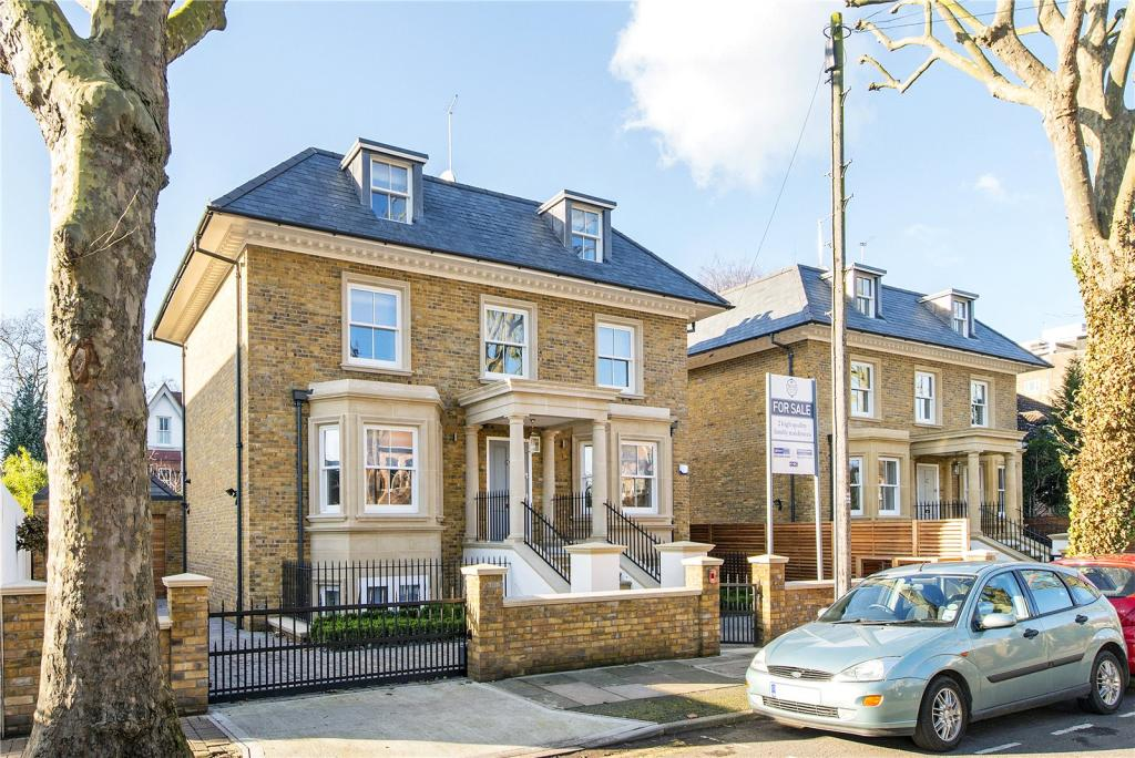 5 Bedroom Detached House For Sale In 11 Albany Park Road