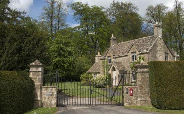 Lodge and Gate