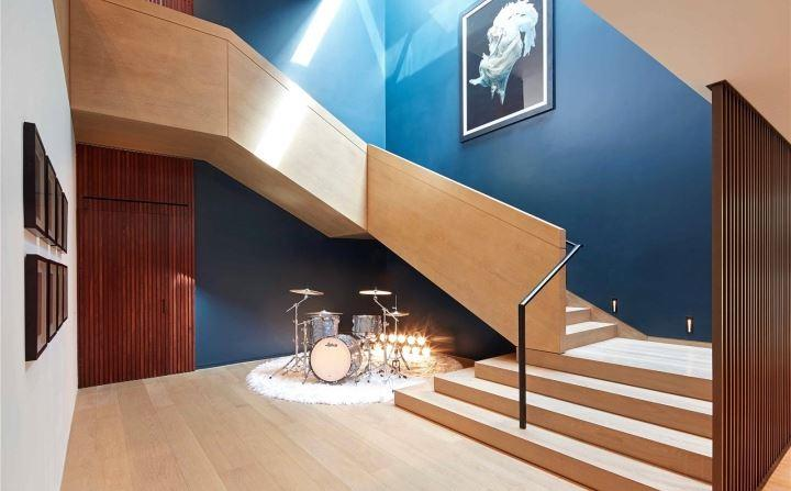 Nova SW1,Stair
