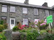 Terraced house in 2, Fron Hyfryd...