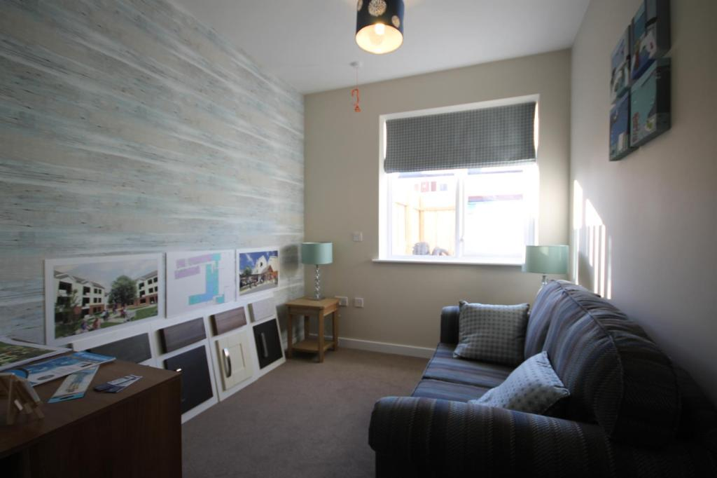 2 Bedroom Apartment For Sale In Potters Place Foolow Avenue Boythorpe Chesterfield S40
