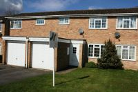 2 bed Mews in Dunn Crescent, Kintbury...