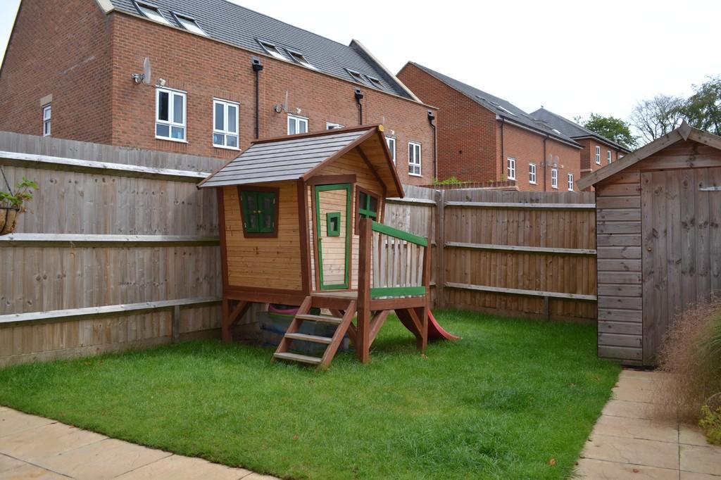 3 bedroom terraced house for sale in denman drive newbury rg14