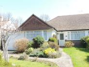 2 bedroom Semi-Detached Bungalow in Ashburton Road, Croydon...