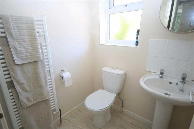 En-suite shower wc