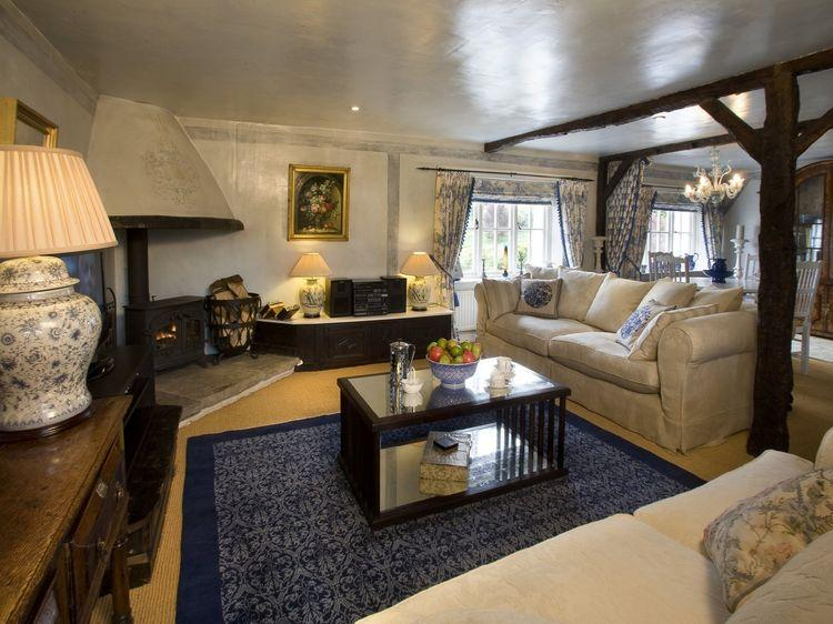 Honey Pot Cottage - Sitting Room