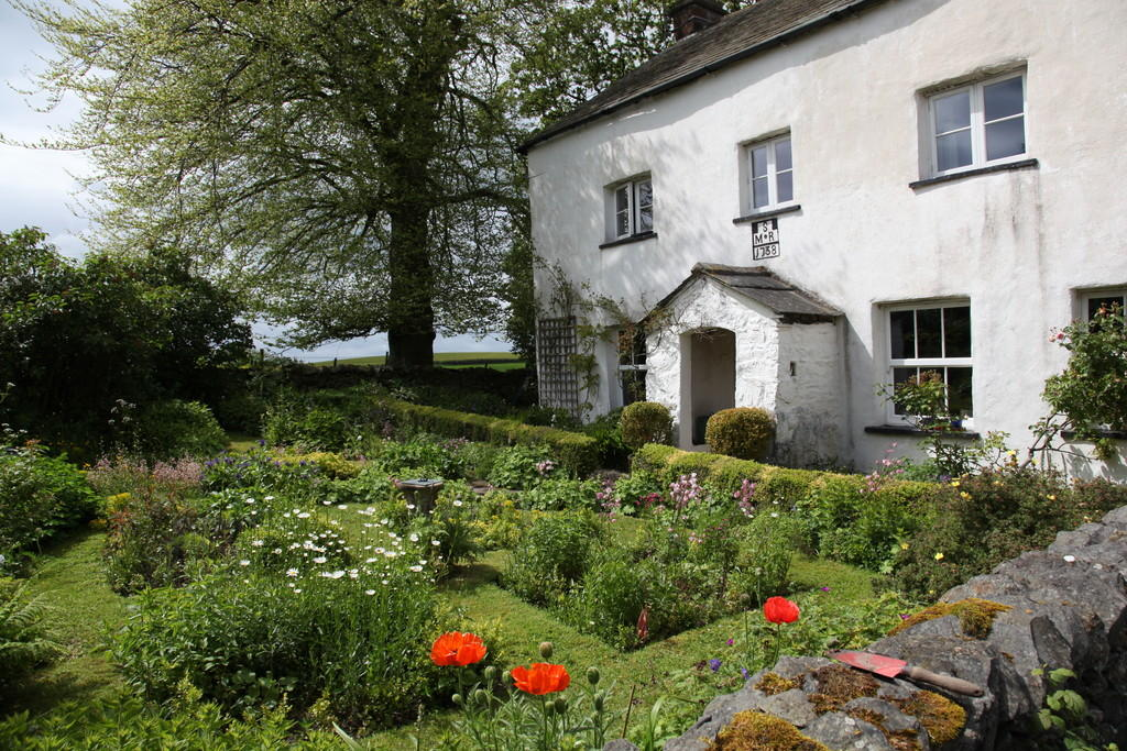 The cottage and g...
