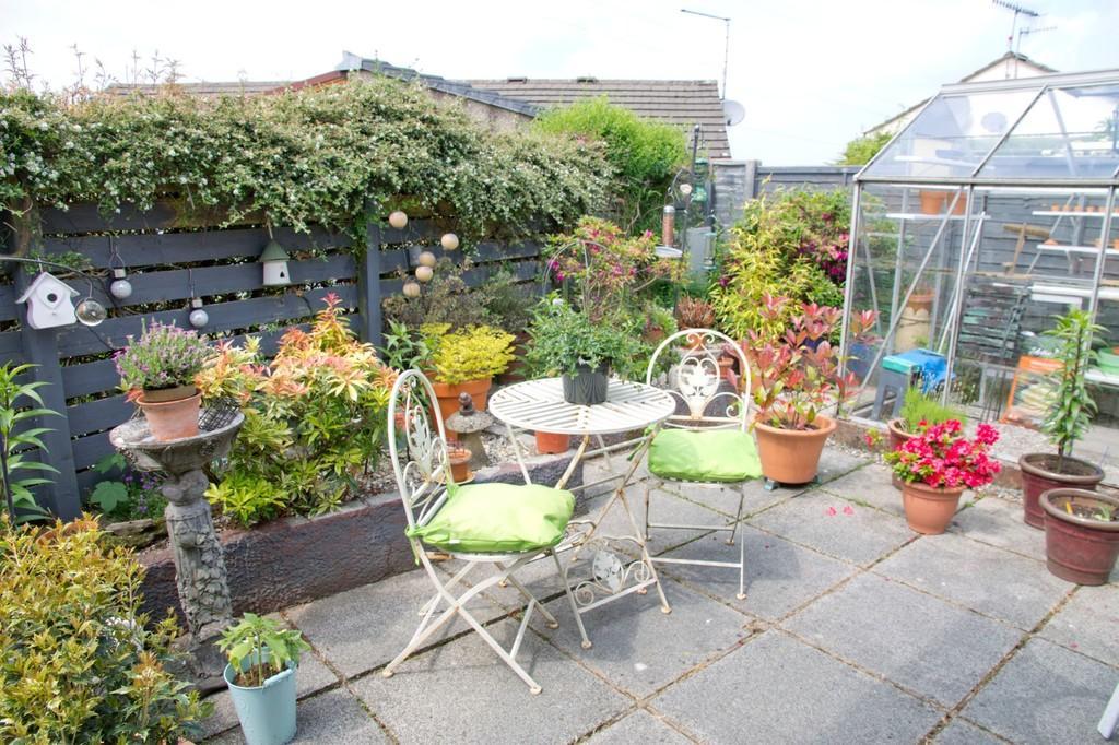 Garden & Gree...