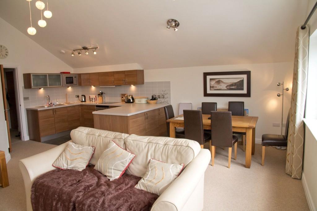 2 bedroom apartment for sale in 32 windward way, windermere marina