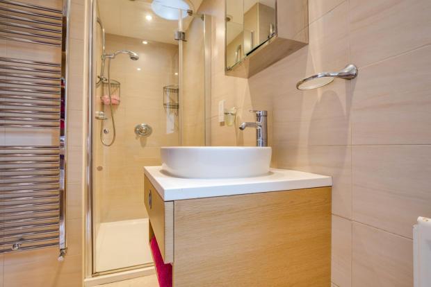 En Suite Shower R...