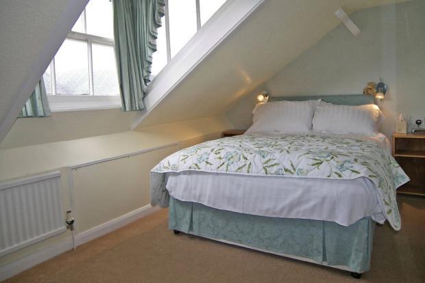 Guest Bedroom 10