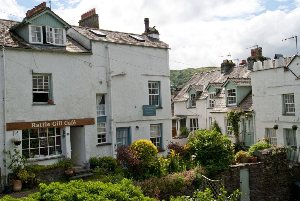 4 Bedroom Hotel For Sale In The Waterwheel Guest House
