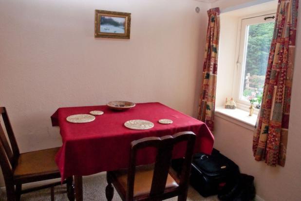 Moles Cottage Din...