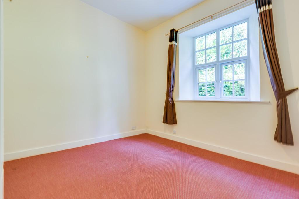 Flat 6 Bedroom