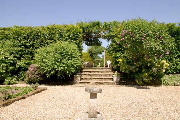 Gravel Garden wit...