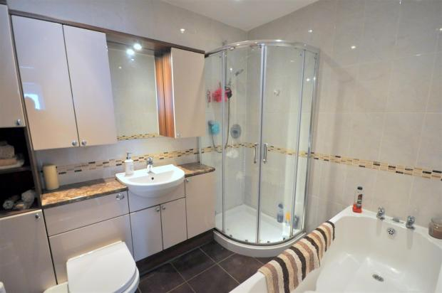 RE-FITTED BATHROOM/W