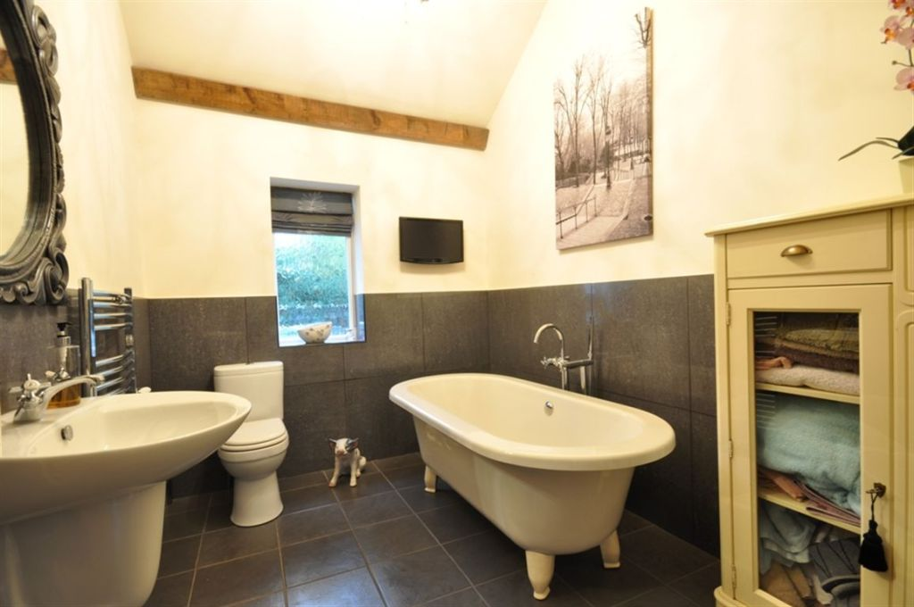 4 Bedroom Detached Bungalow For Sale In Milldeeping 27