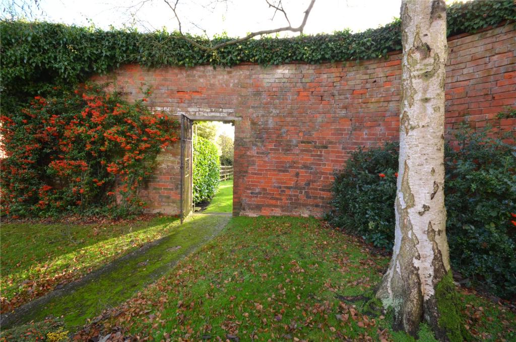 """Secret"" Garden Gate"