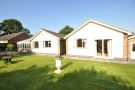 4 bedroom Detached Bungalow in 10, Hall Drive...