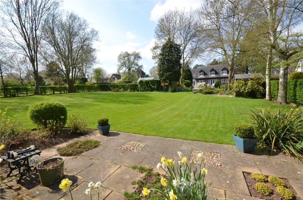 Lower Garden Patio