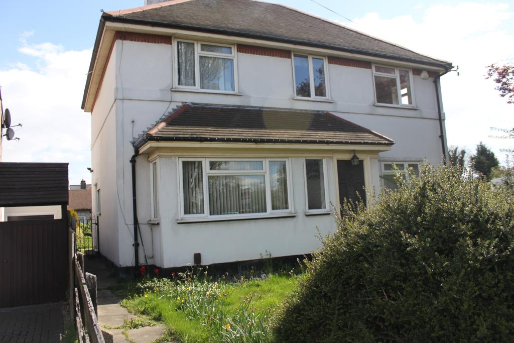 4 Bedroom House To Rent In Bournemouth Park Road Southend