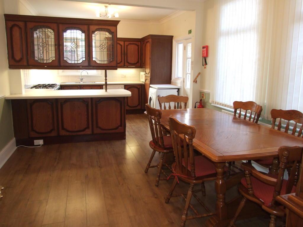 Leamington - Kitchen