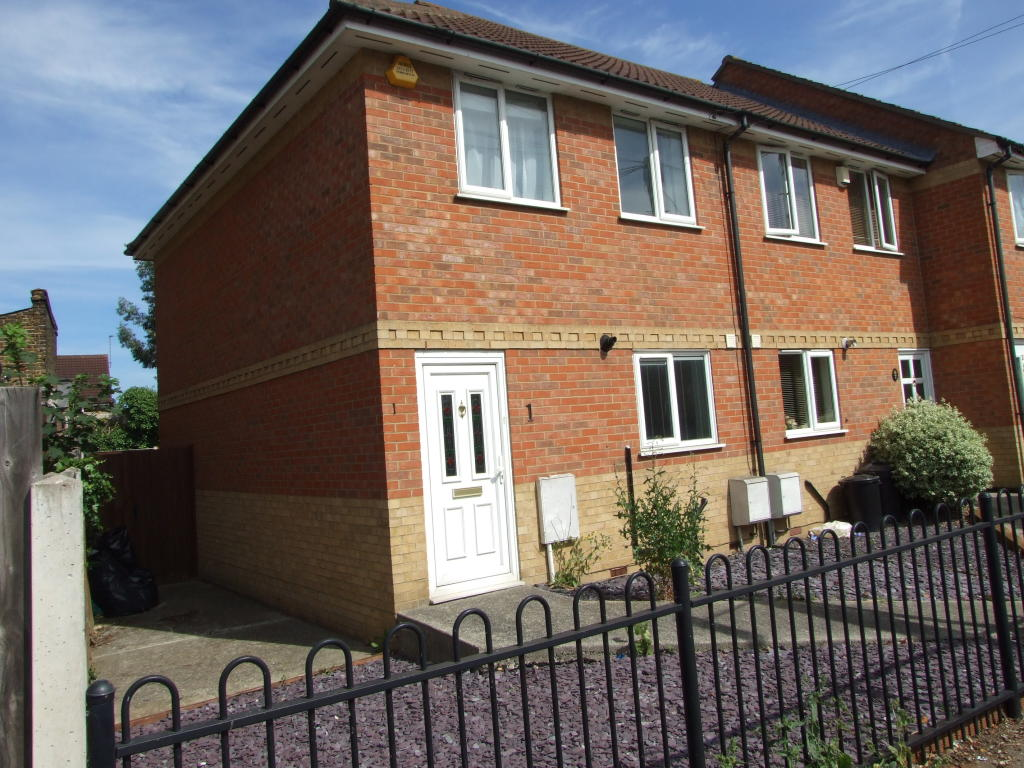 2 Bedroom House To Rent In Hampshire Villas Bournemouth