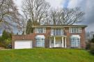 4 bedroom Detached home for sale in Wynnstow Park, Oxted