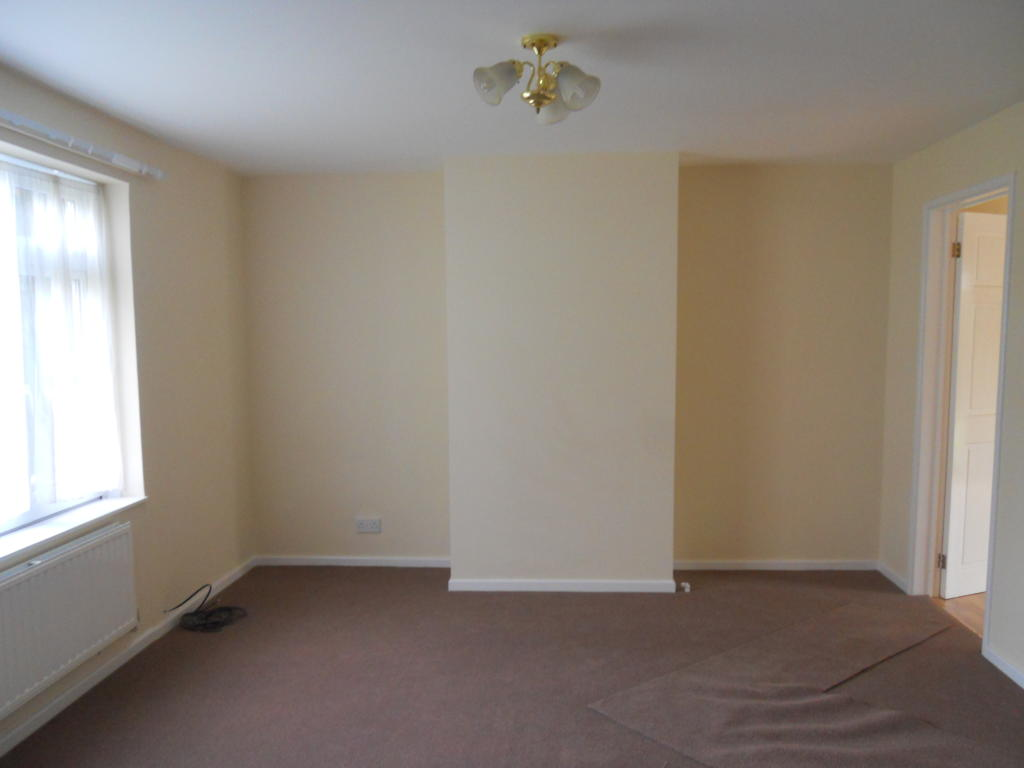 Spacious lounge with new carpets