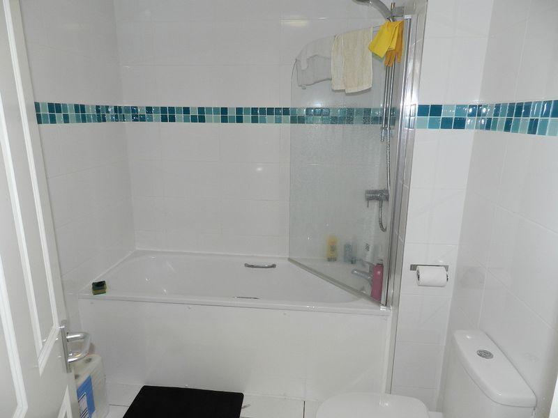 Bathroom - Flat 3