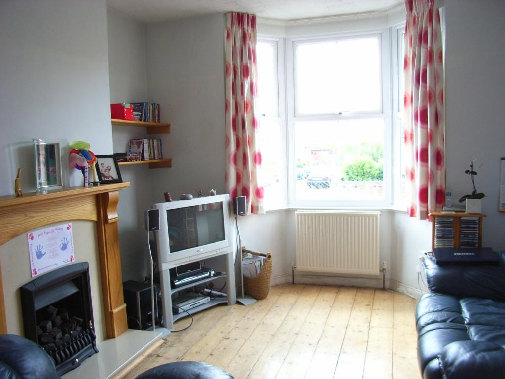 Victorian Terrace Living Room 2 Bedroom End Of Terrace House For Sale In Victoria Avenue