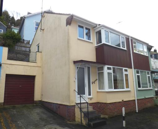3 bedroom semi detached house for sale in lake street