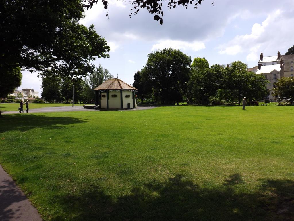The Dawlish Lawn