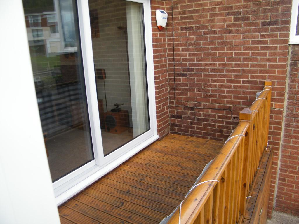 Front deck with stor