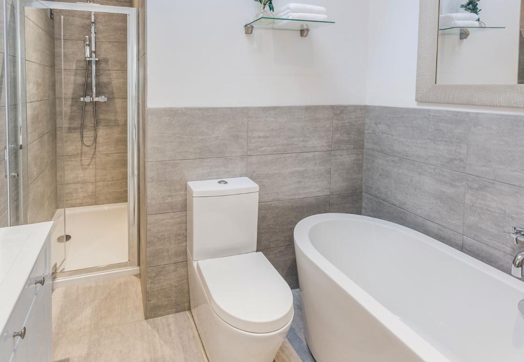Porcelain bathroom s