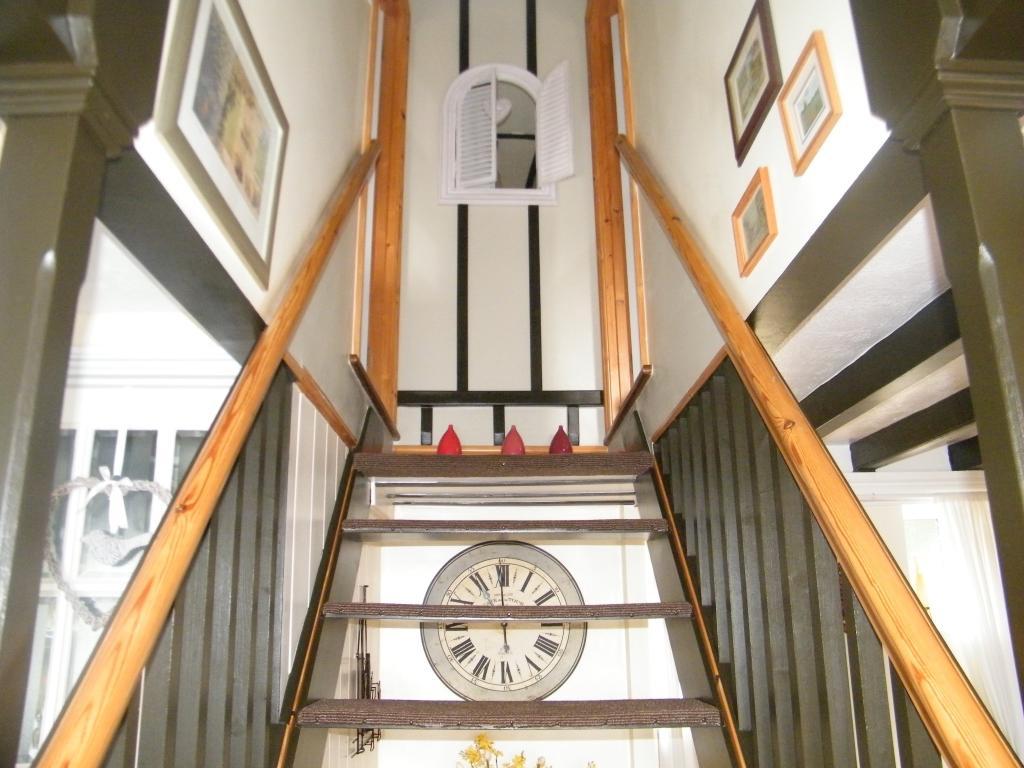 Open tread staircase