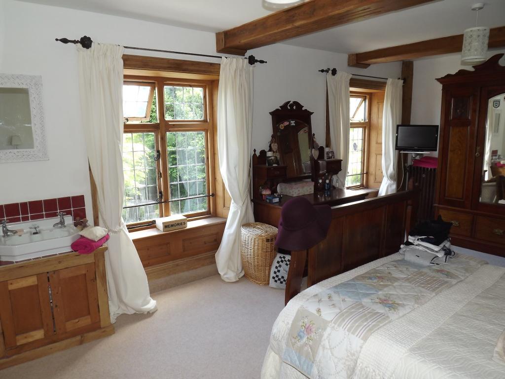 Bedroom 2 showing wi