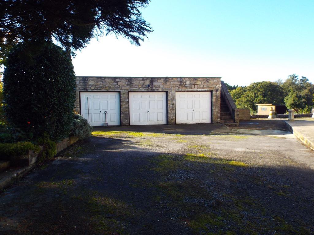Garages/ Workshop
