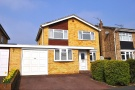 5 bed Link Detached House in The Oval, Turnford...