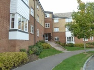 Flat to rent in Plomer Avenue, Hoddesdon...