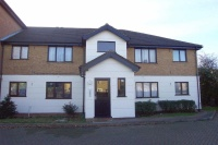 Flat to rent in Parrotsfield, HODDESDON...