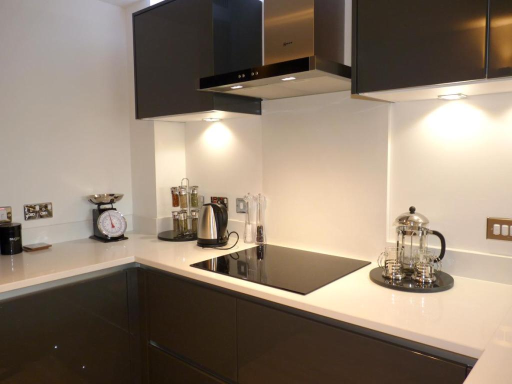 1 bedroom flat for sale in bewick grange swan road for Perfect kitchen harrogate