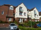 2 bed Ground Flat for sale in Worcester Road...