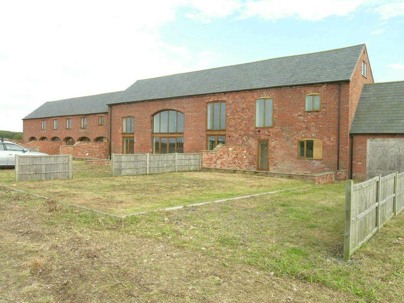 Barn Conversion For Sale In Wadborough Worcester Wr8 9hj Wr8