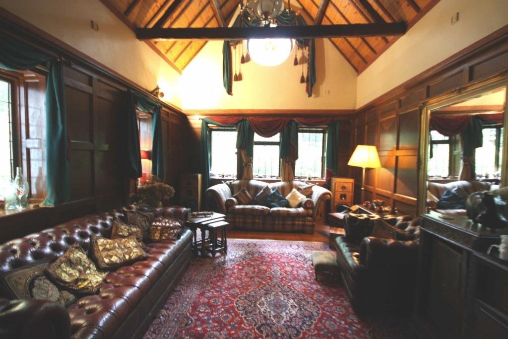 3 bedroom cottage for sale in old warke dam worsley. Black Bedroom Furniture Sets. Home Design Ideas