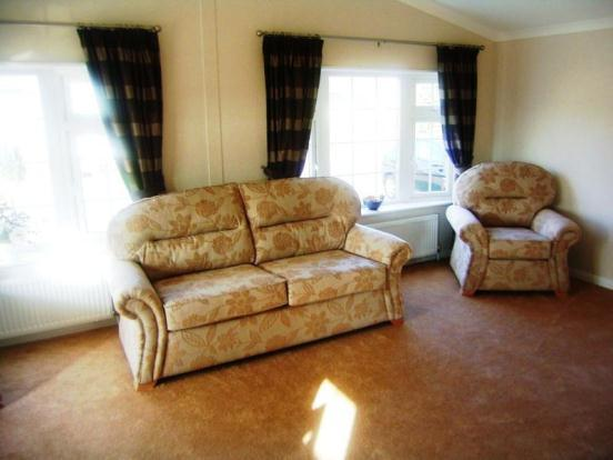 2 bedroom mobile home for sale in Silver Poplars, Holyhead ...