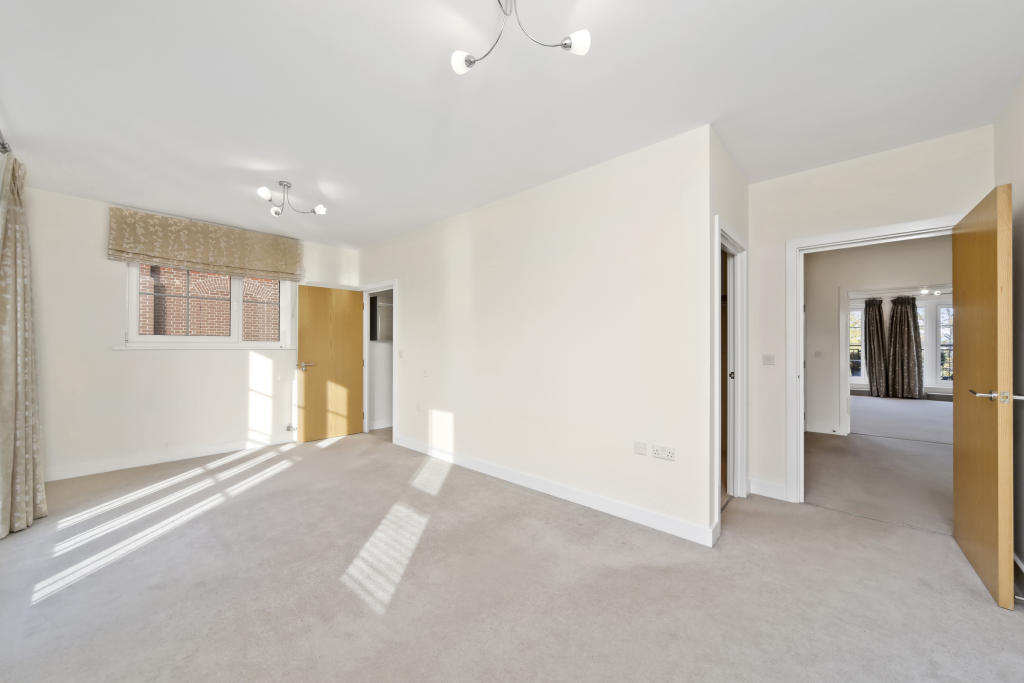 2 Bedroom Flats To Rent In Woking 28 Images 2 Bedroom Apartment To Rent In Burleigh Gardens