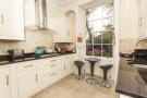 4 bed Apartment in Canonbury Square, N1